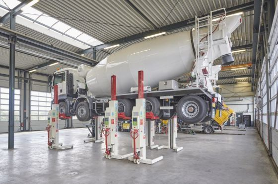 Video how to operate mobile column vehicle lifts