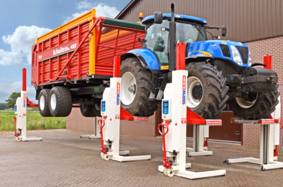 Video maintenance and repair of agricultural equipment and machinery with mobiel column vehicle lifts